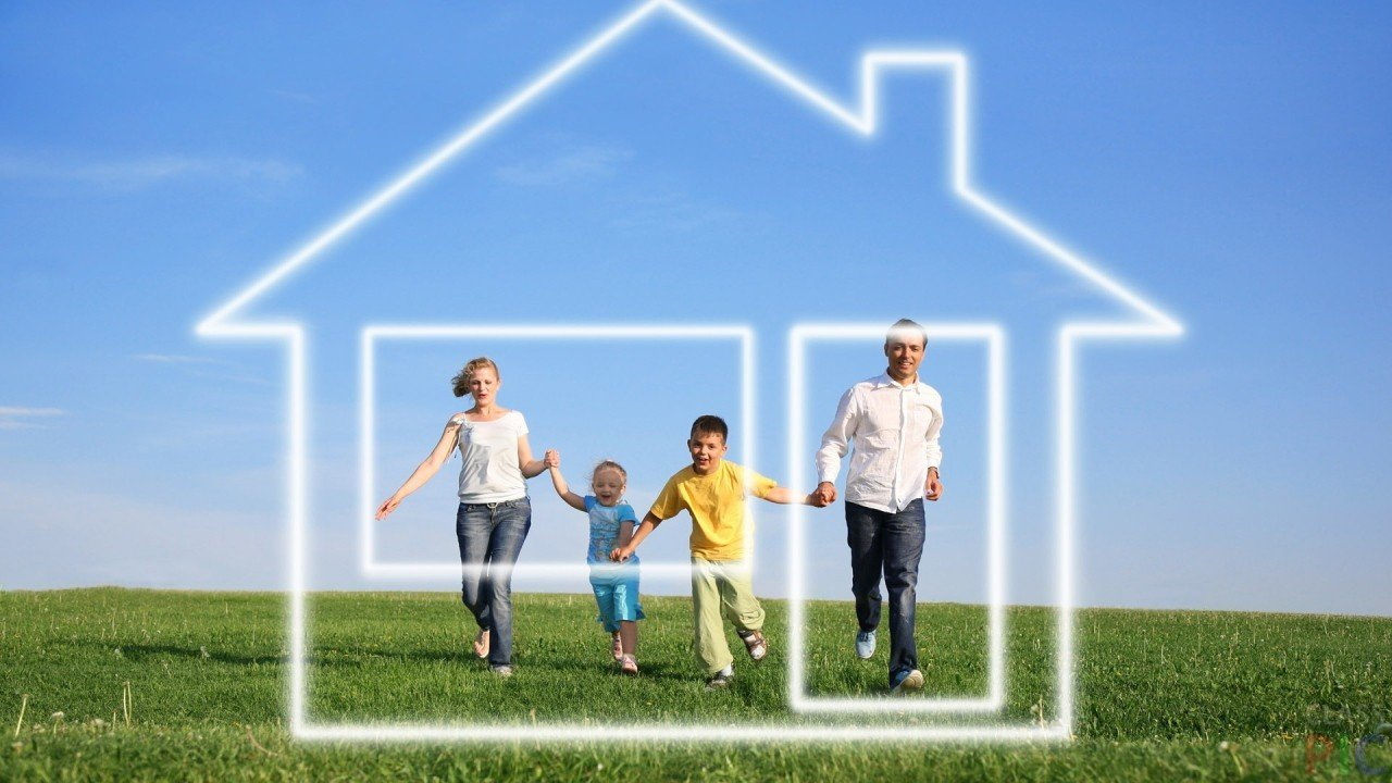Законодательство позволяет направлять средства маткапитала на самостоятельное строительство частного дома