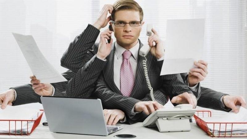 Когда помимо основной работы лицо трудоустраивается на дополнительную должность, оно становится совместителем