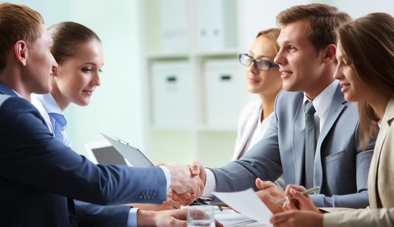 Если вы хотите стать акционером, то должны знать, что такое публичное акционерное общество и как оно работает