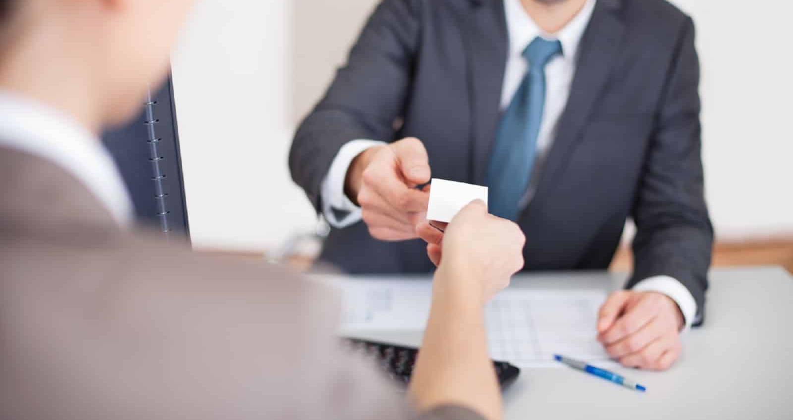 При приеме на работу сотрудники могут просить работодателей оформить соответствующую справку
