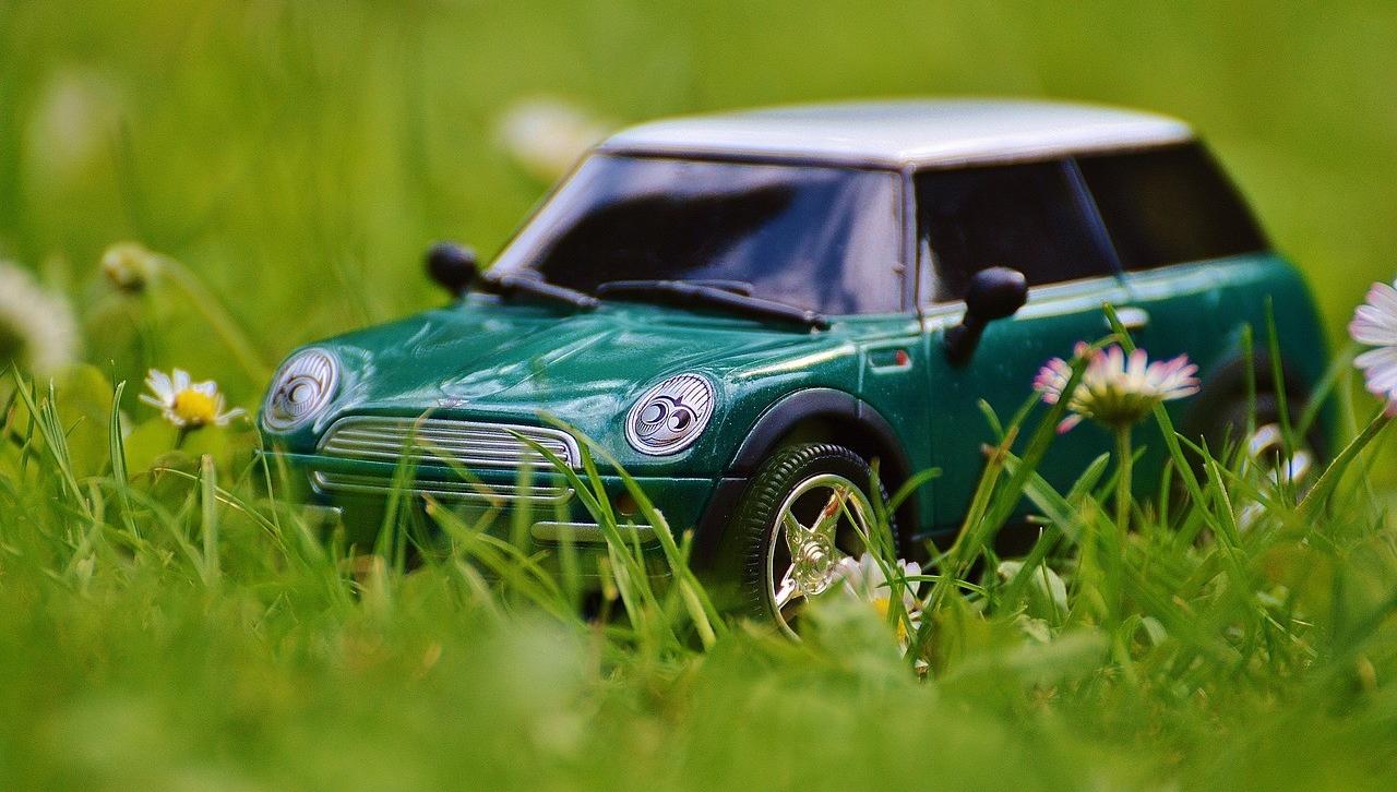 Владельцы транспортных средств часто задумываются о том, как продать автомобиль быстро и выгодно