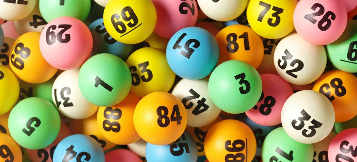 Лотерея дает возможность испытать удачу и разбогатеть, потратив немного денег на билет