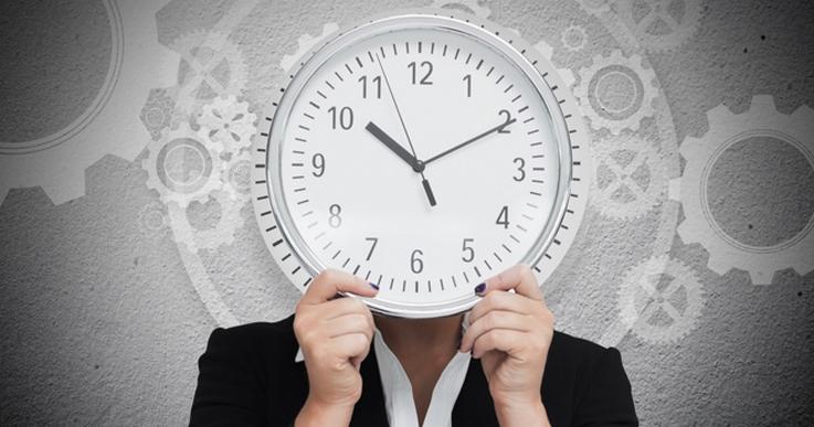 Табель учета рабочего времени позволяет работодателю фиксировать все часы, проведенные сотрудником на предприятии