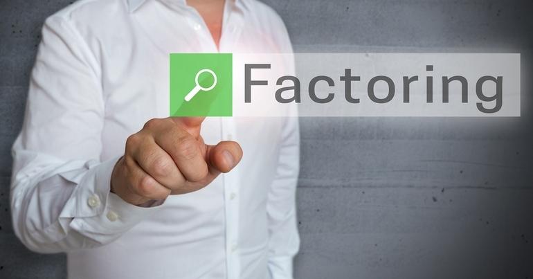 Факторинг — это получение средств под совершение сделки от агента с последующим погашением задолженности покупателем