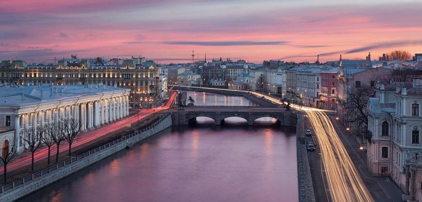 При рассмотрении потребительских кредитов в СПб можно найти огромное количество предложений