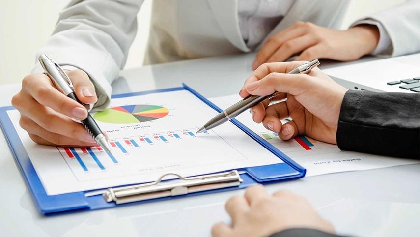 При классификации финансовых и нефинансовых активов следует уделять особое внимание различению акций и других ценных бумаг