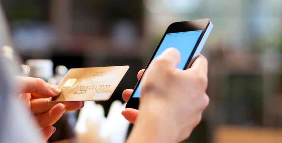 Клиенты Сбербанка, подключенные к сервису «Мобильный банк», имеют возможность совершать денежные переводы, используя специальный номер 900