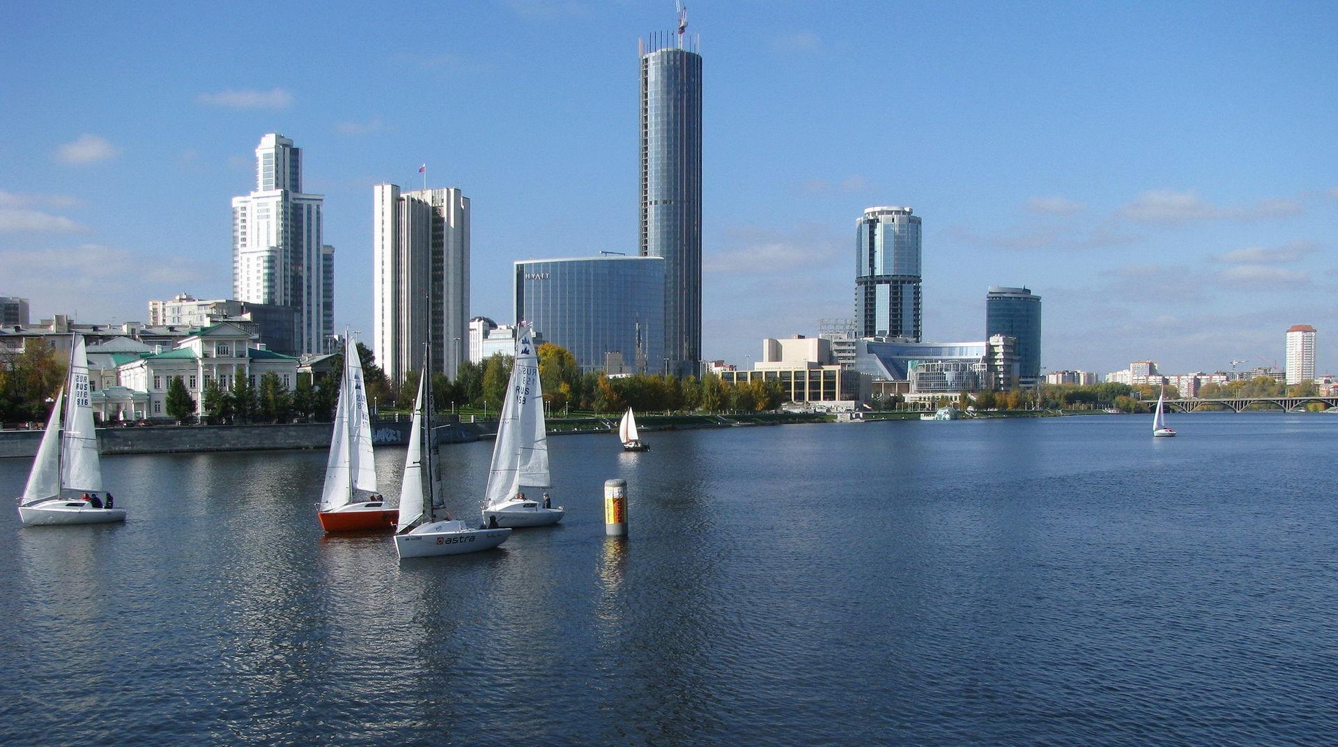 Для физических лиц предлагается список из семи наиболее доходных вкладов в банках Екатеринбурга