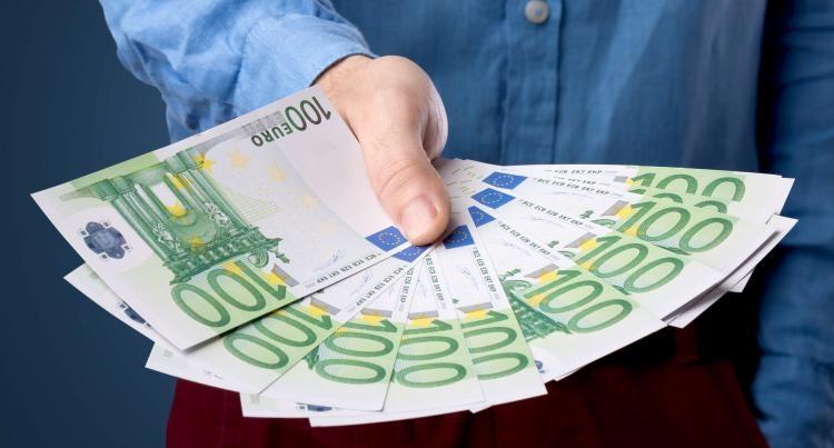 Граждане Беларуси, собирающиеся взять кредит на потребительские нужды