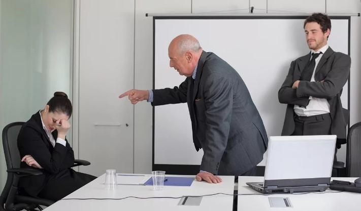 Чётких требований к составлению докладной записки о неисполнении работником должностных обязанностей законодатель не устанавливает