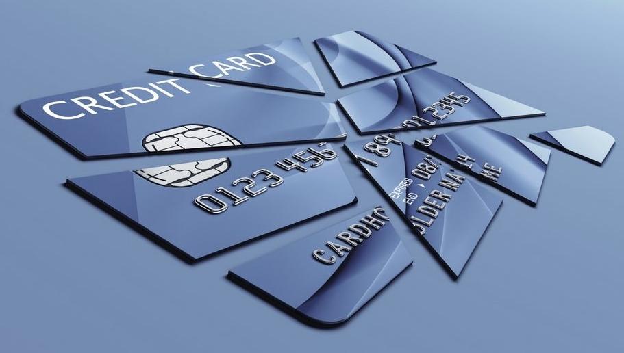 Чтобы закрыть кредитную карту Тинькофф, необходимо предварительно полностью погасить задолженность перед банком