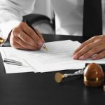 Как заверить договор у нотариуса?